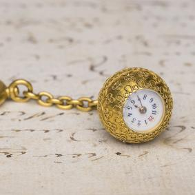 GENEVE-BOULE---Miniature-Antique-Pocket-Watch-with-Unusual-Winding-Mechanism